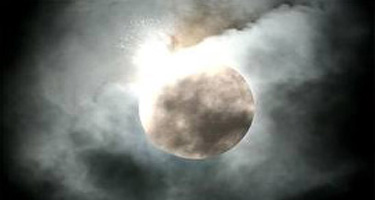 moon_blow1